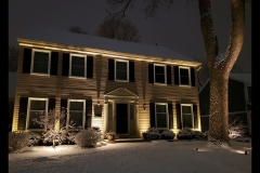 illuminated-snowy-home-in-st-charels-il