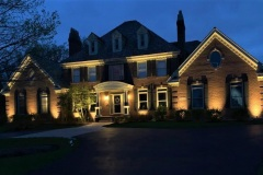 landscape-lighting-on-home-st-charles-il