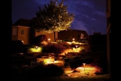 tiered-landscape-lighting-in-oswego